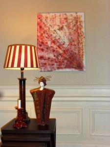 Decoration in burgundy